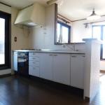 2階 対面式のキッチン。(キッチン)