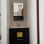 2階LDKにあると便利な清潔で機能的な洗面化粧台。